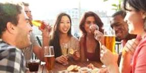 ビールを飲む女性達