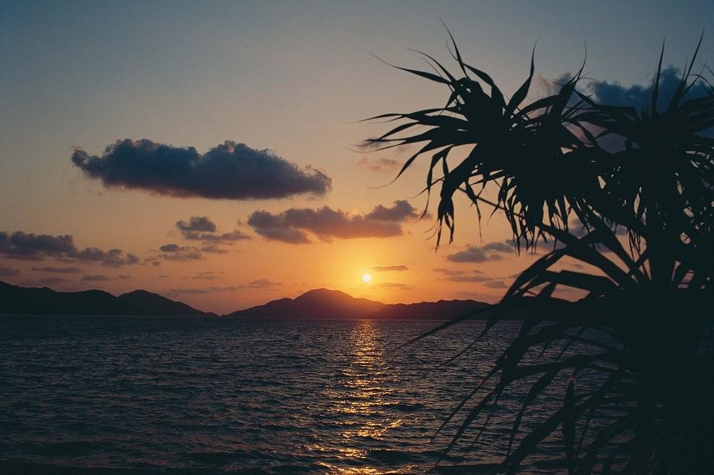 奄美の海の日暮れの風景 写真提供/鹿児島県観光連盟
