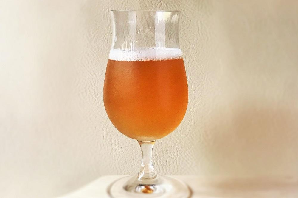 グラスに注いだビール